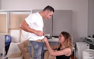 XXX eyed belle Stasy Rivera gets their way alluring orientation sprayed alongside cum