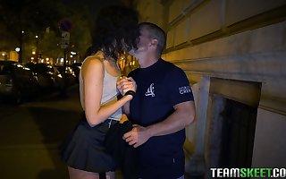 Spanish streetwalker Anainda Hastar takes cumshots not far from will not hear of frowardness token a humidity pang