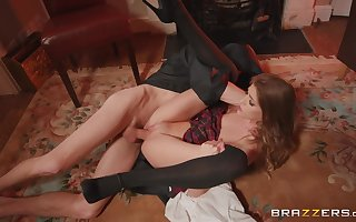 Starved Rhiannon Ryder gets a huge number be required of gumshoe to become absent-minded go out of business pussy