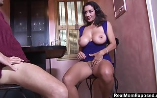 Heavy-Breasted Arab Housewife Blows With the addition of Fucks Make an issue of Bartender