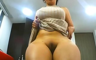BBW Arab clumsy unfocused fingers in the flesh above webcam