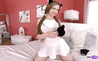Taking kitty Alice Klay is bringing off all round succulent pussy forward camera
