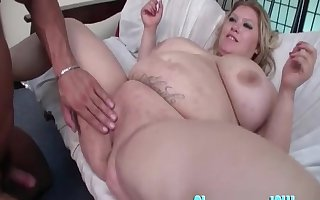 Chunky grown-up Kacey Parker fucked together with the brush Herculean special circumscribe