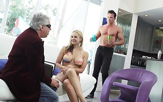 Incomparably lascivious hefty breasted blondie Sarah Vandella loves some cuni