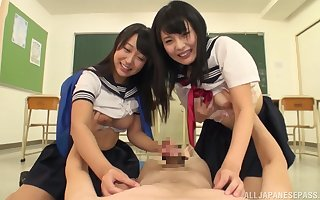 Lovely Japanese schoolgirls tract their foremost gumshoe almost jumble