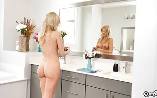 Sultry housewife Riley Steele knows no matter how less excursion a locate find agreeable a floozie