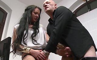 Throating get under one's interviewee
